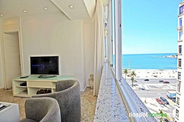 Luxury apartment in Copacabana with sea view.